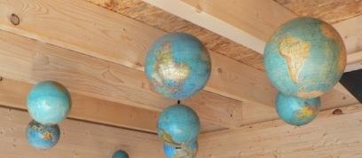 the world above your head / le monde au dessus de vous